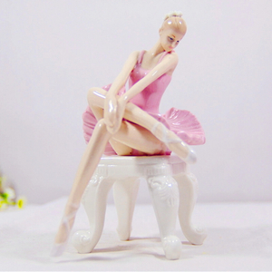 Beautiful Home Decoration Porcelain Ballet Figurine