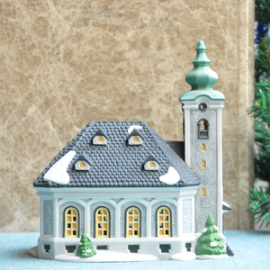 New Design Wholesale Christmas Ceramic House Decoration