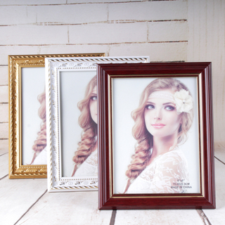 Easy PS Photo Frame in Natural Wood Looking for Home Decoration