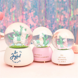 Factory Direct ODM & OEM Polyresin Custom Musical Glitter Glass Snow Globe