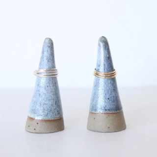 CERAMIC Pyramid RING HOLDER