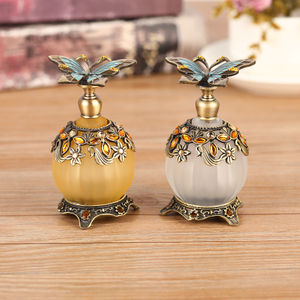 Luxury Design Fragrances Reed Diffusers Bottle with Zinc Alloy Lid, Fragrance Empty Bottles Sale
