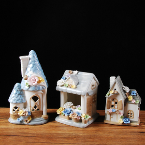 Unique Design Table Decoration Ceramic Christmas Gift Village Houses